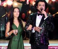 На дне рождения дочери министра промышленности пели Киркоров и Басков