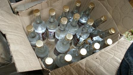 В Омске в Чкаловском торговали контрафактным алкоголем