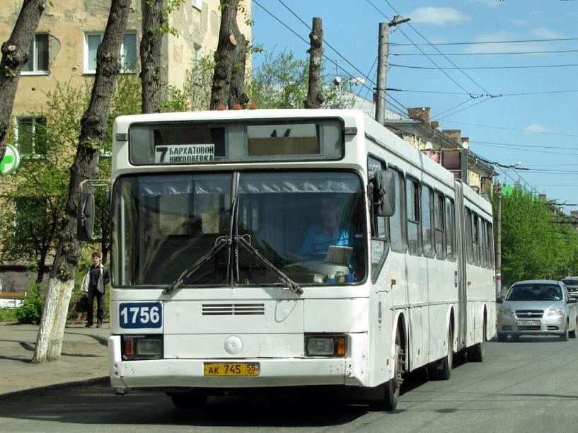 В Омске 10 автобусов изменят свой маршрут