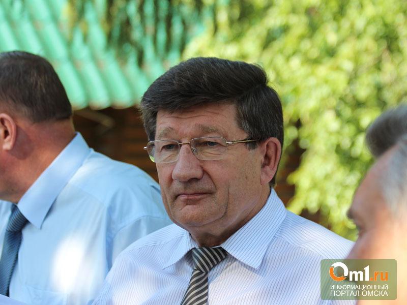 Мэр Омска накануне Дня радио открыл Аллею связистов
