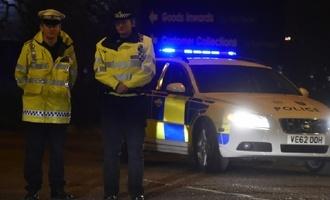 Одна из версий — теракт: в Лондоне 19-летний юноша напал с ножом на прохожих