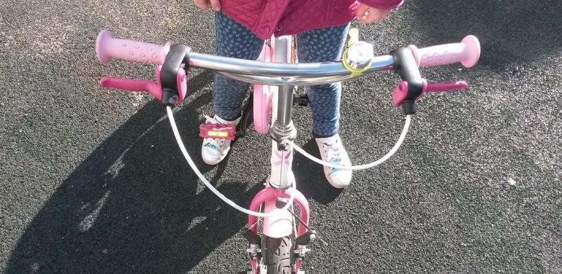 В Омской области двое детей на велосипедах отправились искать родителей