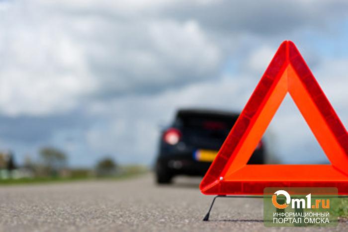 В Омске столкнулись три авто: пострадал 1 человек