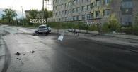 У Телецентра снова авария — омич на ВАЗе снес фонарный столб, уходя от погони ГИБДД