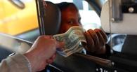 Омский таксист удерживал клиента 7 часов за отказ оплатить поездку