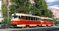 В Омске трамвай переехал женщину