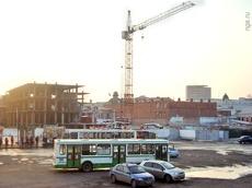 Недострой на Бударина в Омске хотят потеснить, чтобы построить дорогу