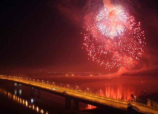 Новогодний салют в Омске можно будет пускать в 4 точках города