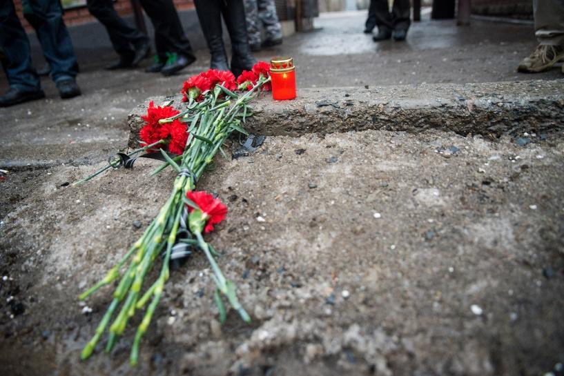 В Омской области приспустили флаги в память о погибших в смертельных ДТП