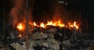 Ночью в Омске три часа горели коллективные сараи