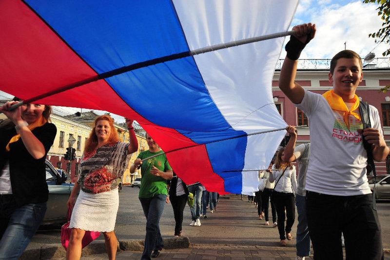 Омичей приглашают на шествие бело-сине-красных