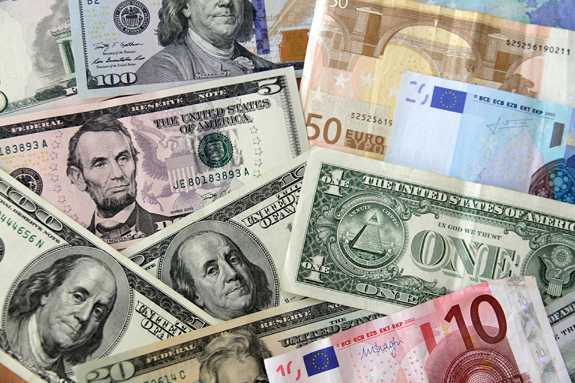 Биржевой курс доллара перевалил за 62 рубля, евро — за 69