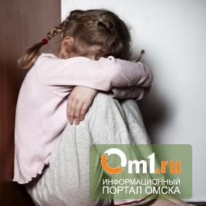 В Омской области отчим пытался убить 10-летнюю девочку