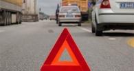 На трассе в Омской области ВАЗ врезался в автобус с детьми