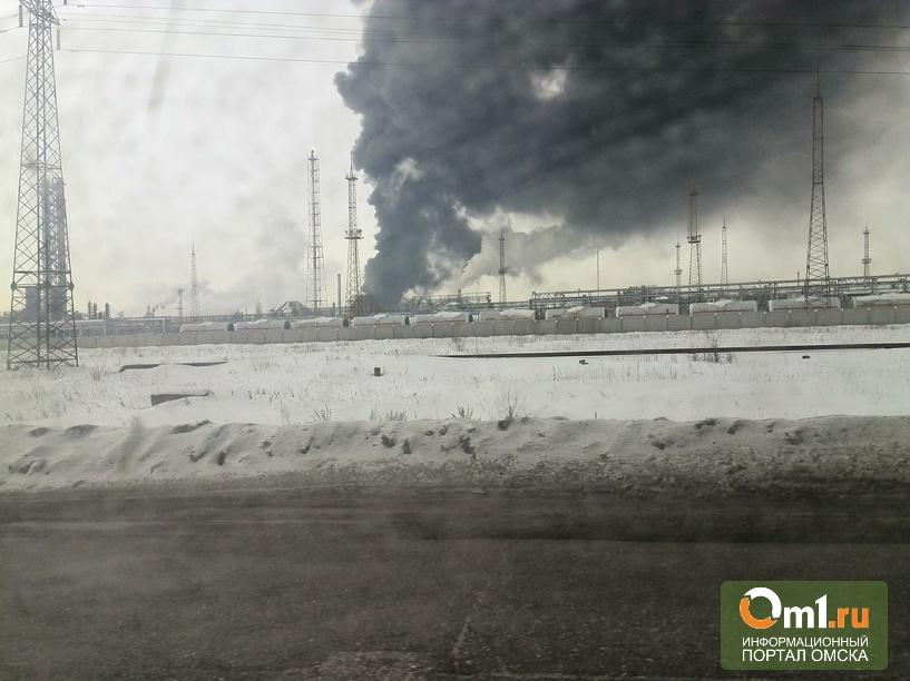 Дым от взрыва на заводе СК сдувает от Омска к северным районам