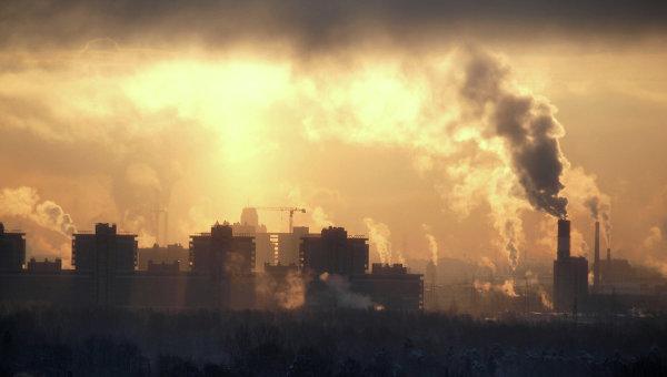 В воздухе Омска обнаружили повышенное содержание сажи и оксида углерода