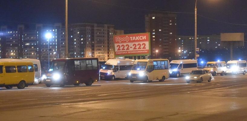Мэр Омска назвал нелегальных маршрутчиков «вольными казаками» на «Газелях»