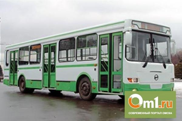 В Омске в пути следования поломался задний мост автобуса № 58