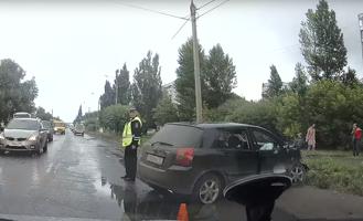 В Омске водитель иномарки погиб при столкновении с автобусом и «ГАЗелью»