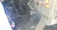 В Омске иномарка влетела под большегруз