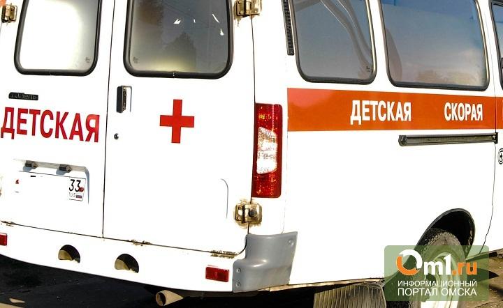 В Омской области лист ДСП сломал двухлетнему мальчику ногу