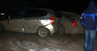В Омске пьяный водитель на «Ладе» протаранил два припаркованных авто