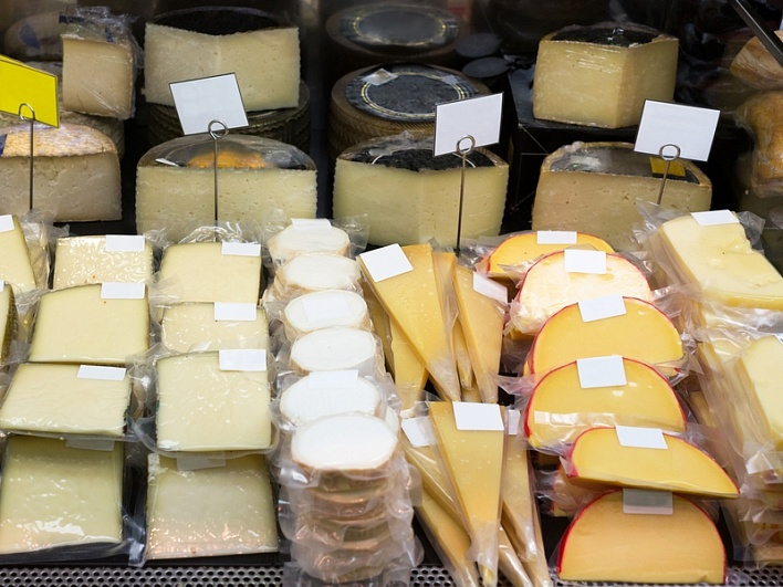 За неделю в Сибири уничтожили 218 кг санкционного сыра