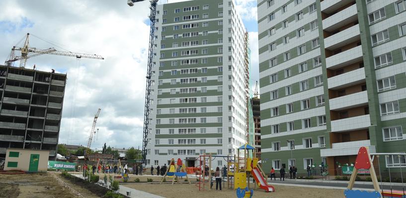 В Омске появятся пять домов для переселенцев из ветхого жилья