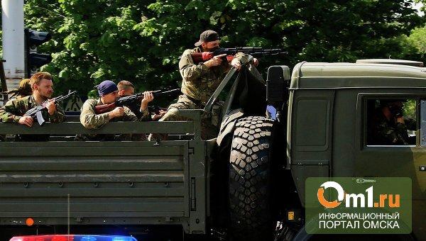 В Донецке военные и ополченцы вторые сутки ведут бой за аэропорт