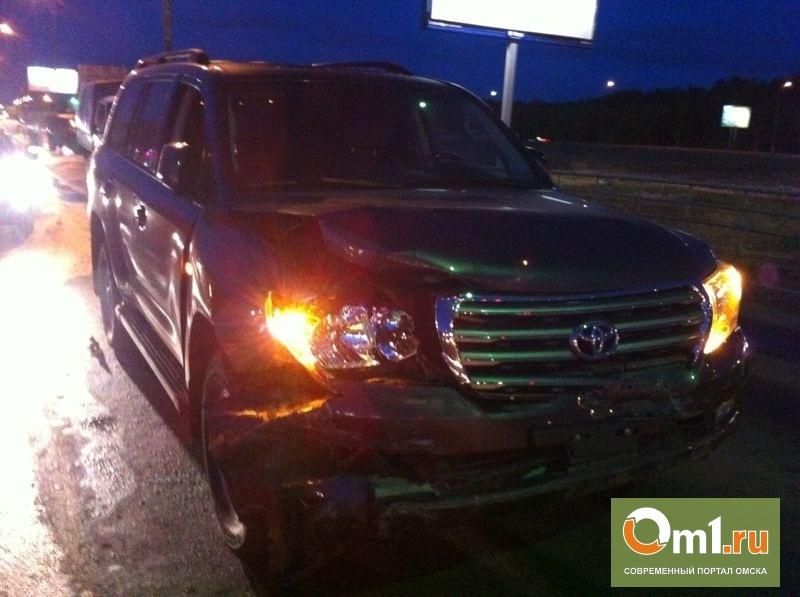 Омич, протаранивший на Land Cruiser 7 авто,был пьян