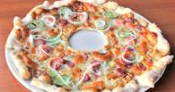 Гастрономический протест: в Омске предлагают пиццу «Пробитое колесо» и десерт «Мэр Ямска»