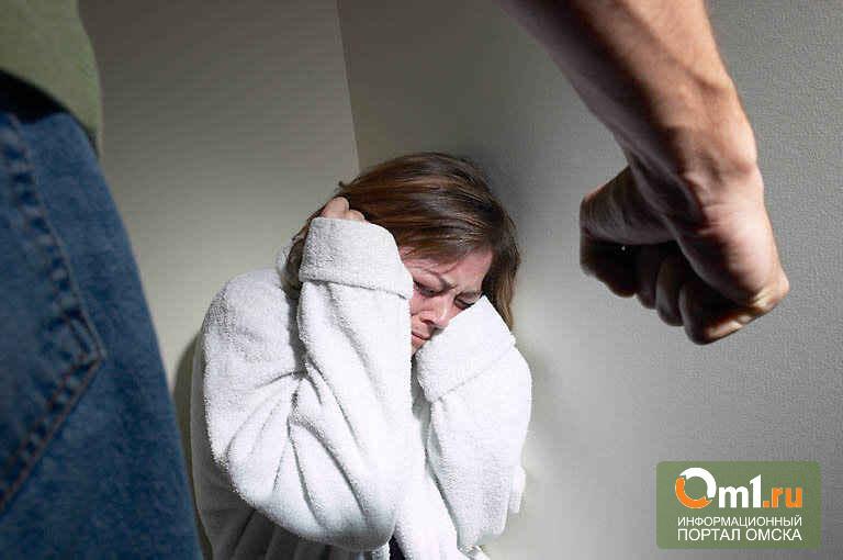 В Омской области муж до смерти избил жену из ревности