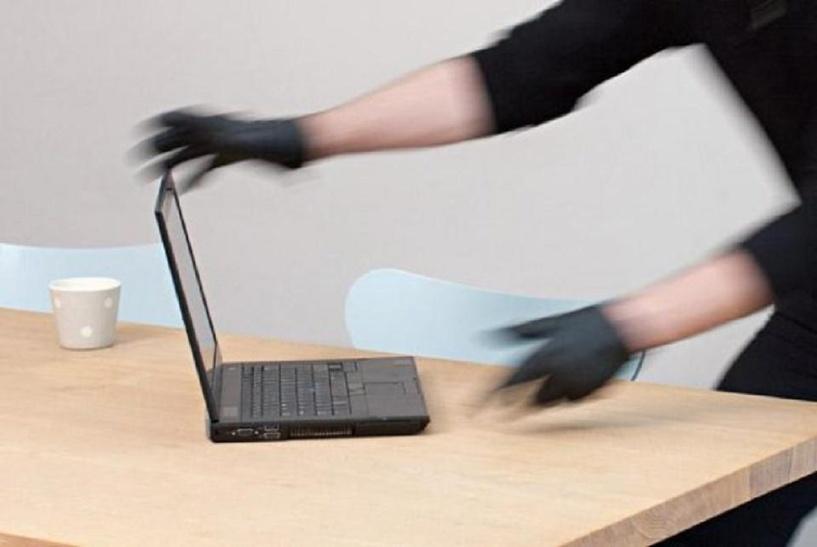 В Омске электрик украл из школы казенный ноутбук