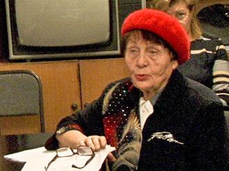 «Путинская бабушка» Рапацевич «переселила» многодетную семью из аварийного дома
