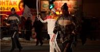 Омские факелоносцы оставят олимпийские факелы и фото на память