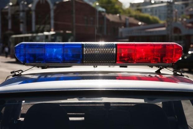 Омичка от обиды ударила ножом своего 15-летнего брата