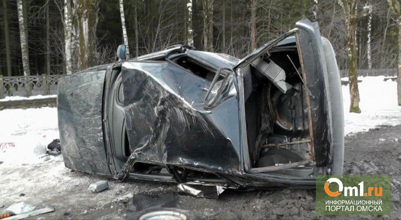 В Омске нашли перевернутый Nissan без водителя