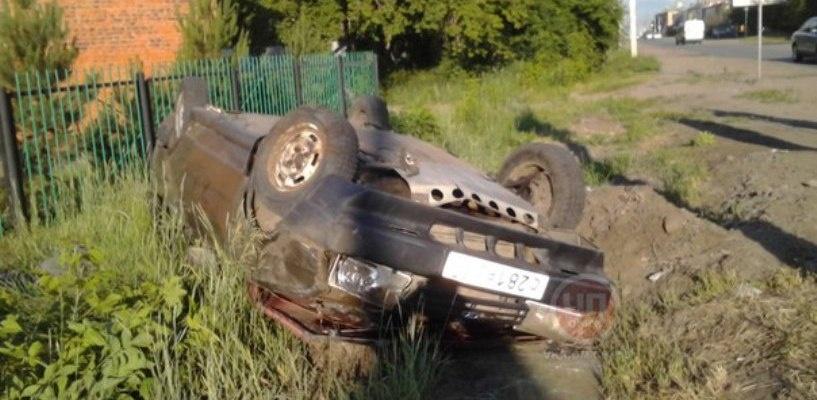 В Омске ищут водителя, бросившего после ДТП раненую девушку