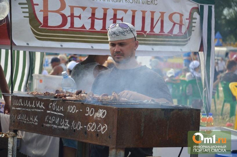 В Омске в шашлычной на Красном пути не мыли посуду и шампуры