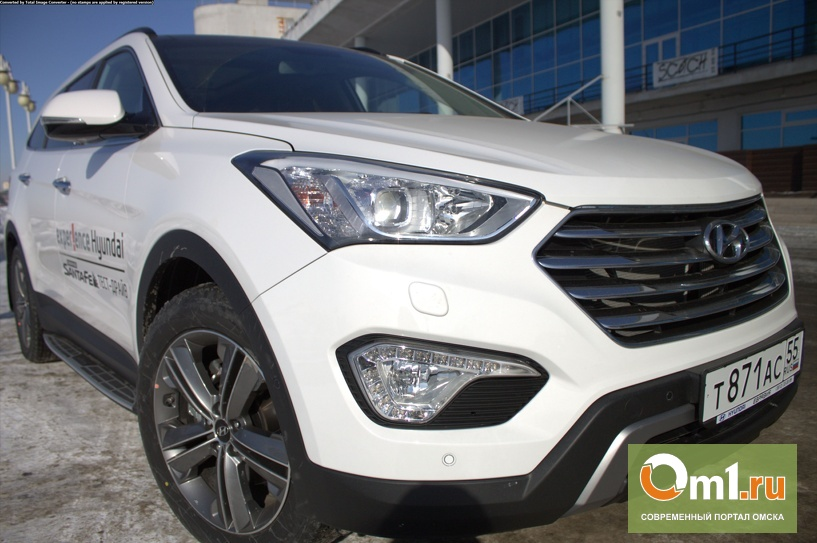 Тест-драйв Hyundai Grand Santa Fe: внедорожник с городским характером