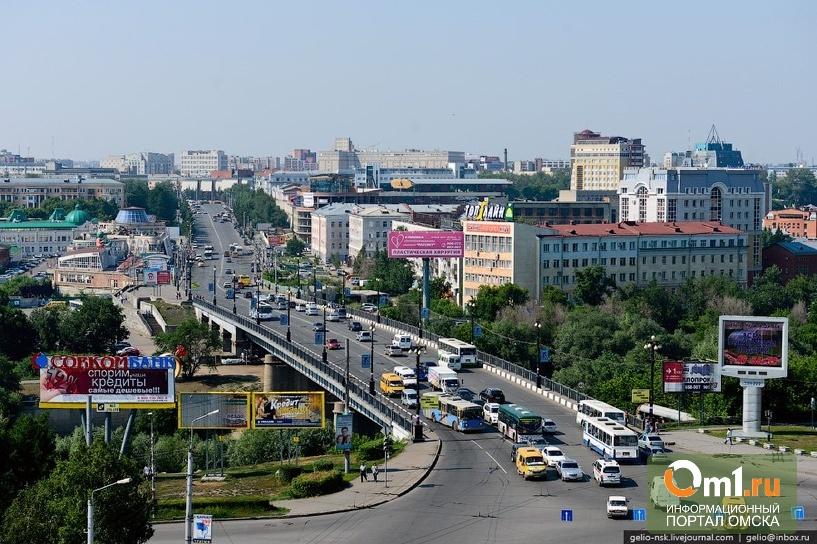 В Омске хотят «понастроить так, что на велосипеде не проедешь»