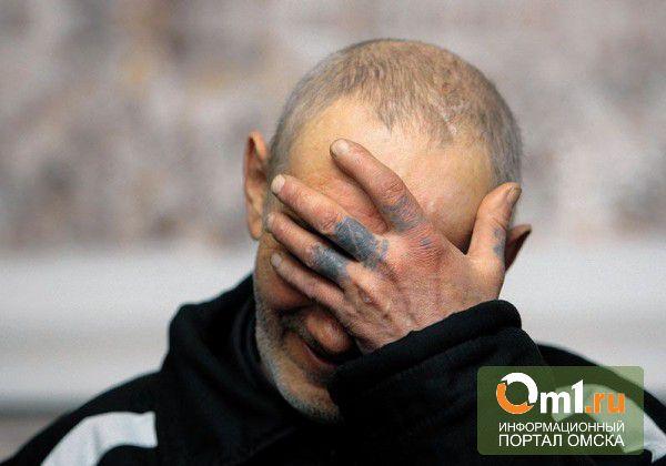 В Омске заключенных кормили протухшим мясом