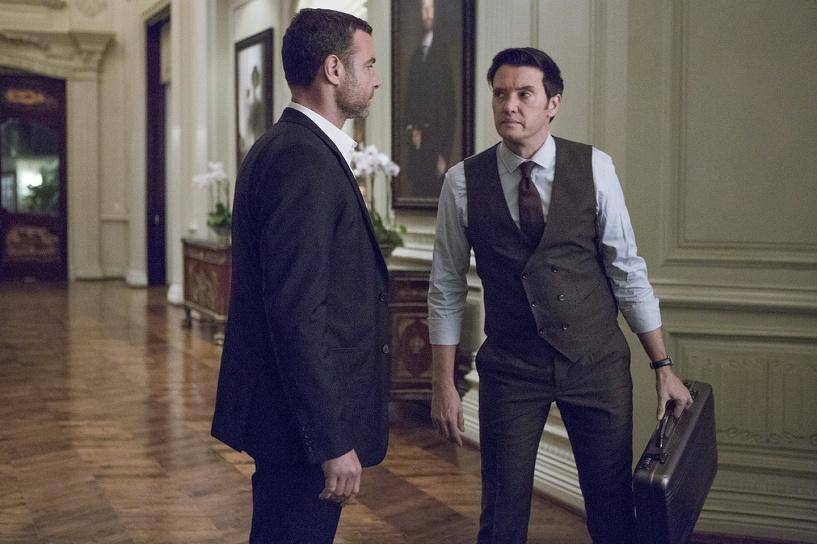 Официальная российская премьера третьего сезона сериала «Рэй Донован» состоится 30 августа в 21:00 на телеканале AMEDIA Premium