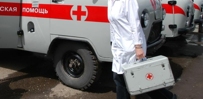 В Омской области водитель иномарки сбил двух пешеходов и скрылся с места ДТП