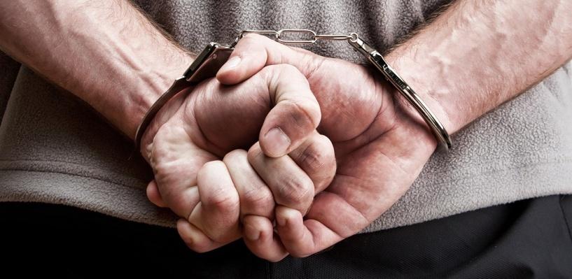 Прохожие поймали и передали омской полиции подозреваемого в разбое