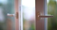 17-летняя девушка выпрыгнула из окна нижегородского отделения полиции