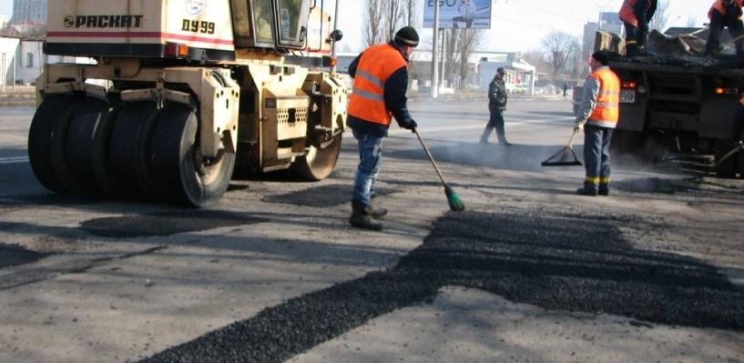 «Дорожная фея» стала свидетелем сомнительного ремонта омских дорог