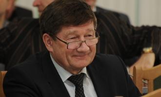 Мэр Омска Двораковский «проговаривает» по мобильному 60 тысяч в год