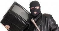 В Омске у студентки украли деньги и ноутбук