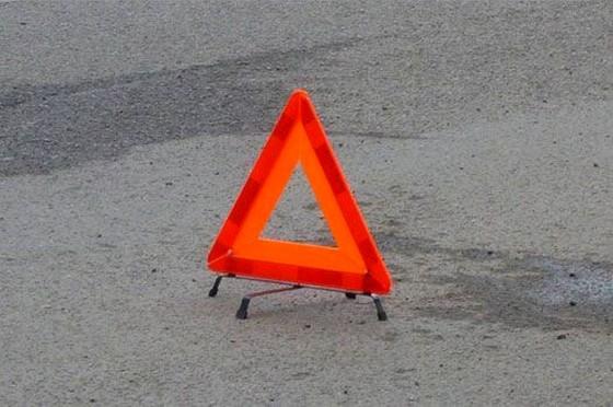 В Омске молодой водитель на отечественном авто насмерть сбил мужчину